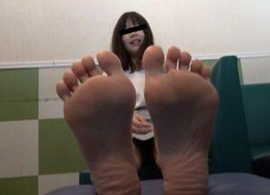 足指舐めに狂う男と女